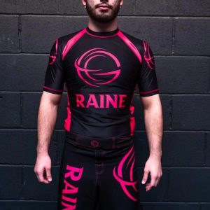 Mens-basic-recycled-rashguard-black-pink